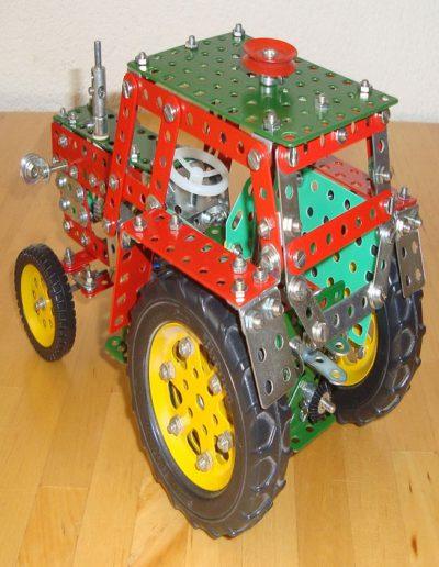 Traktor von hnten