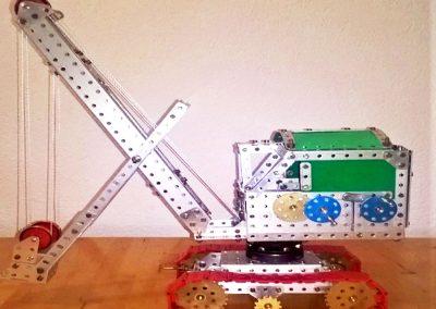 Ein Bagger regt die Phantasie für eigene Konstruktionen, ein beliebte Modell zum Bauen